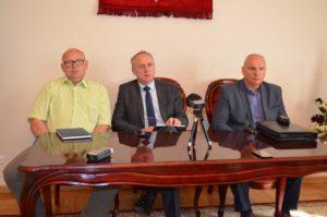 Od lewej: Zbigniew Karpiński (były doradca burmistrza Misztala), Dariusz Misztal, Leszek Trębski (były prezes RTBS).