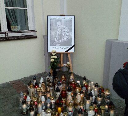 Dziś pod Urzędem Miasta Rawa łączy się z Gdańskiem