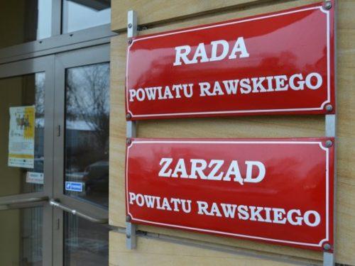 Wszyscy radni Powiatu Rawskiego apelują do władz centralnych o zwiększenie finansowania oświaty