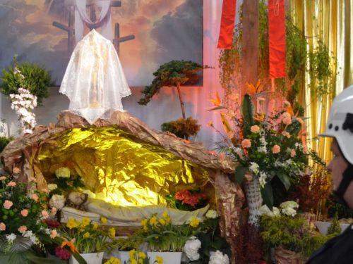 Groby Pańskie w rawskich kościołach. Wielkanoc 2019 ZDJĘCIA