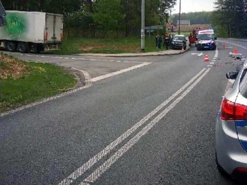 Wypadek w Wólce Lesiewskiej. Dwie kobiety w szpitalu