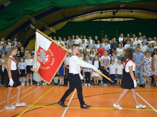 Rozpoczęcie roku szkolnego w SP4. Monika Sarna wicedyrektorem. Piknik szkolno-parafialny 22 września