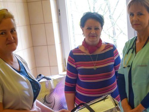 Radna Małgorzata Rudniak daje dobry przykład jak można wspierać rawski szpital