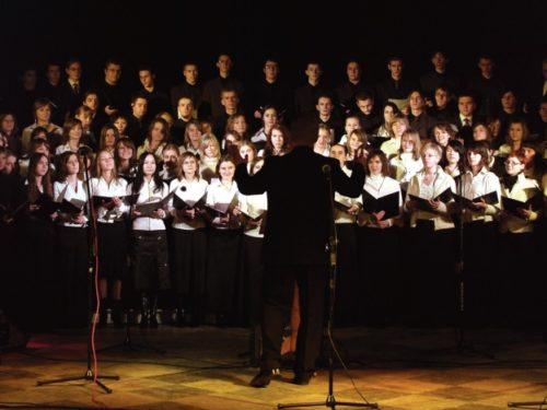 """5 stycznia 2020: 118-osobowy chór """"Minstrel"""" wystąpi w Rawie"""