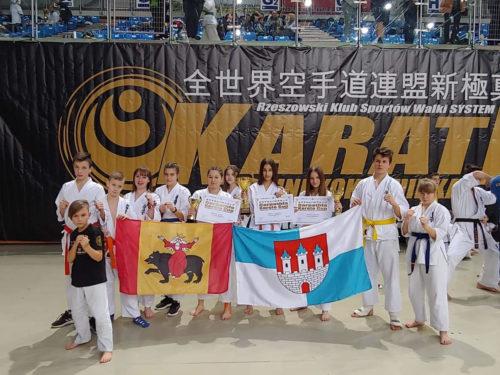 Zdobyliśmy cztery medale podczas Międzynarodowego Turnieju Karate Kyokushin Carpathia Cup 2020