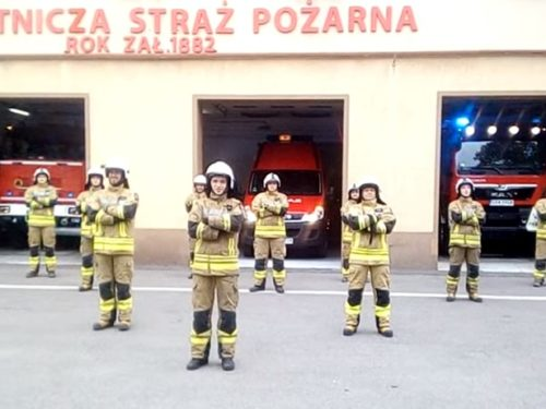 Strażacy z OSP i PSP w Rawie pompowali dla Wojtusia. Zobacz strażaków z OSP Cielądz