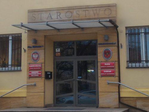 Radny PiS zrezygnował z zasiadania w Radzie Powiatu Rawskiego