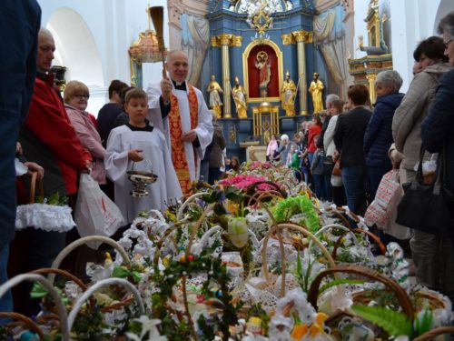 Obchody Wielkanocy w Rawie Mazowieckiej. Biskup łowicki wydał zarządzenie dla proboszczów