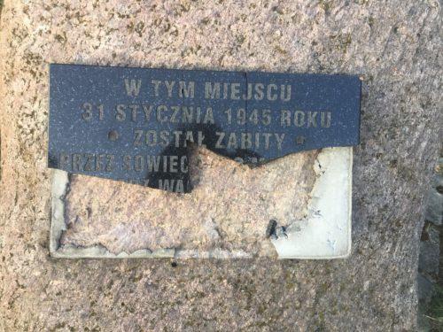 Pod Rawą zniszczono tablicę upamiętniającą zamordowanego zakonnika