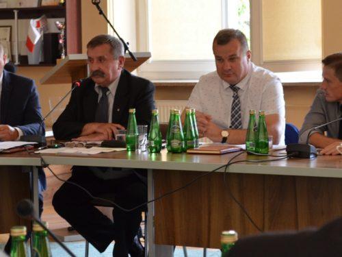 Zarząd Powiatu Rawskiego z absolutorium i głosami przeciw