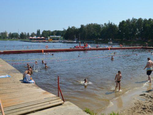 Na Zalewie Tatar jest już sprzęt pływający. Sanepid wydał pozytywną opinię dotyczącą czystości wody