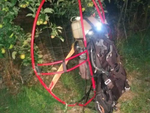 26-letni paralotniarz spadł z ok. 20 metrów. Jest ranny