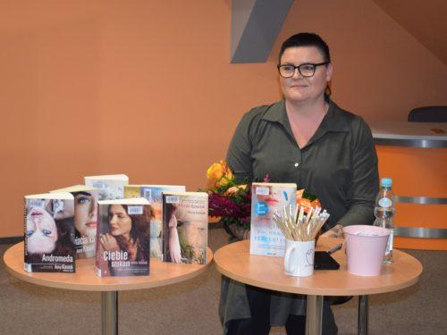 Anna Kasiuk w Miejskiej Bibliotece Publicznej nie tylko o swojej namiętności do pisania