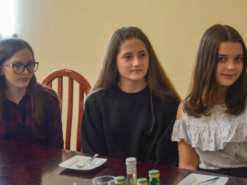 Klaudia, Daria i Ola to nastoletnie bohaterki z Rawy