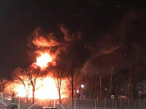 Potężny pożar przy ul. Skierniewickiej w Rawie Mazowieckiej