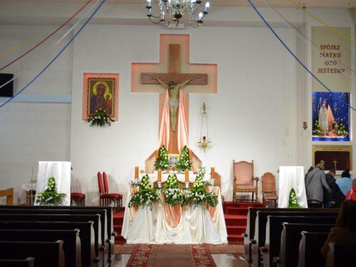 Dzisiejsze msze św. w rawskich kościołach. Transmisja online i dekret biskupa