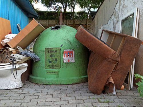 Wzrasta cena za odbiór śmieci w Rawie. Radni podjęli decyzję. Sprawdź ile zapłacisz