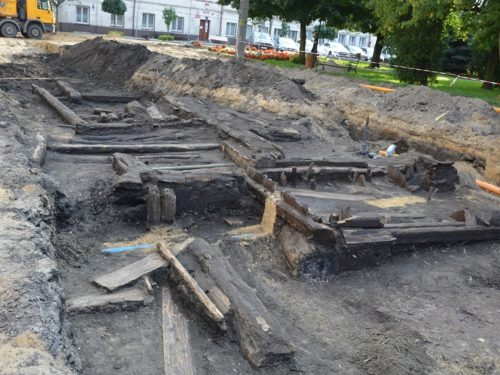 Średniowieczne jatki miejskie odkopane pod ul. Krakowską w Rawie