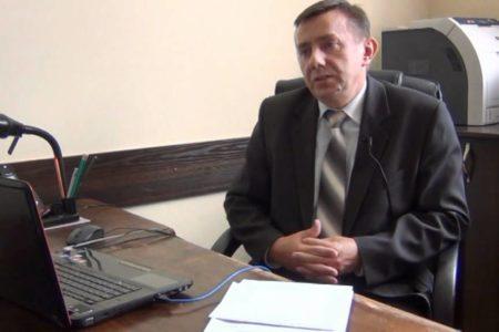I semestr podsumowuje Arkadiusz Woszczyk, dyrektor Liceum Ogólnokształcącego