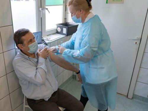 Szczepimy się przeciw COVID-19 w Rawie Mazowieckiej