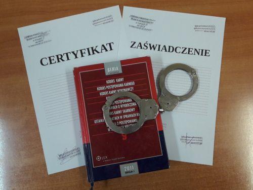 Wydawał zaświadczenia i certyfikaty. Mieszkaniec Rawy Mazowieckiej przyznał się do winy