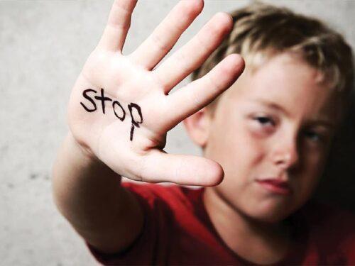 Przemoc w rodzinie? Rawianie mogą liczyć na pomoc prawną i wsparcie psychologiczne